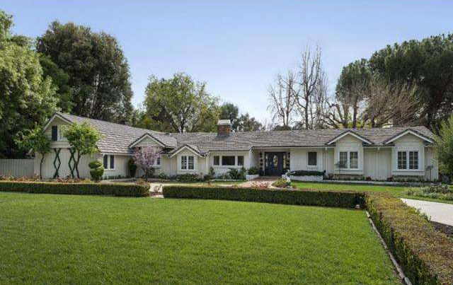 Catherine Bell house is located in Hidden Hills, Los Angeles