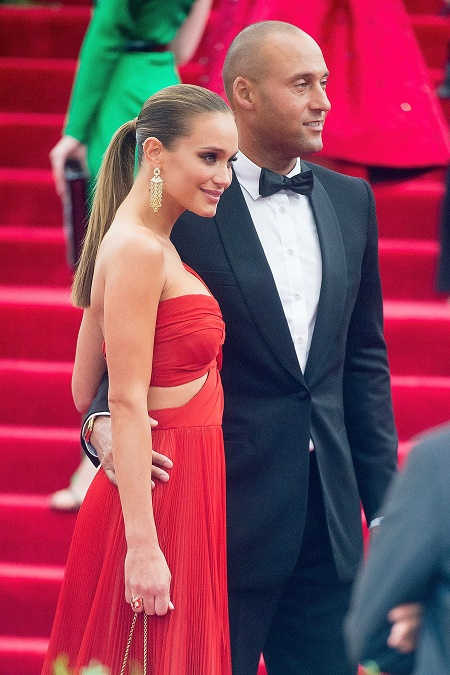 "Derek Jeter  and Hannah Davis attend the ""China: Through The Looking Glass"" Costume Institute Benefit Gala on May 4, 2015 at Metropolitan Museum of Art  in New York City"