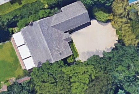 Brian De Palma sold out his home located in East Hampton, New York