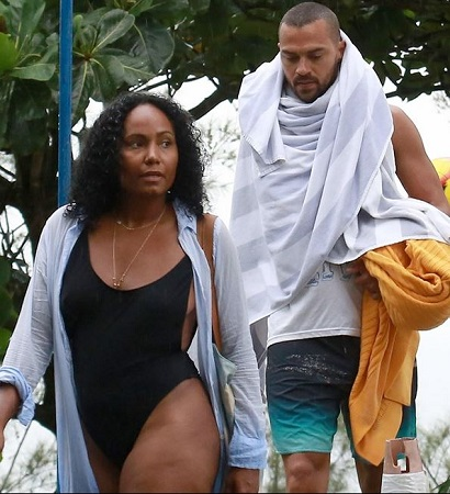 Cairra and Jesse Williams spending summer time.