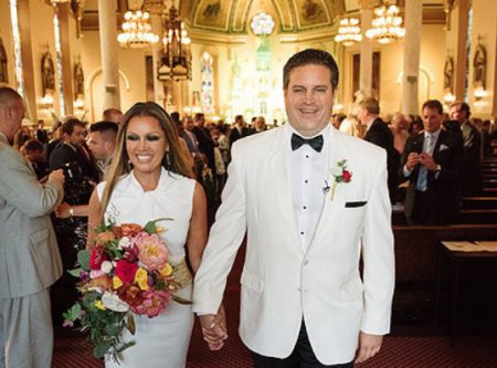 Ramon Hervey's spouse, Vanessa L. Williams and Jim Skrip's wedding