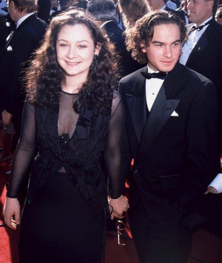 Sara Gilbert and John Galecki in the Emmys