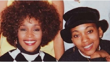 Robyn Crawford and Whitney Houston in their old pictures