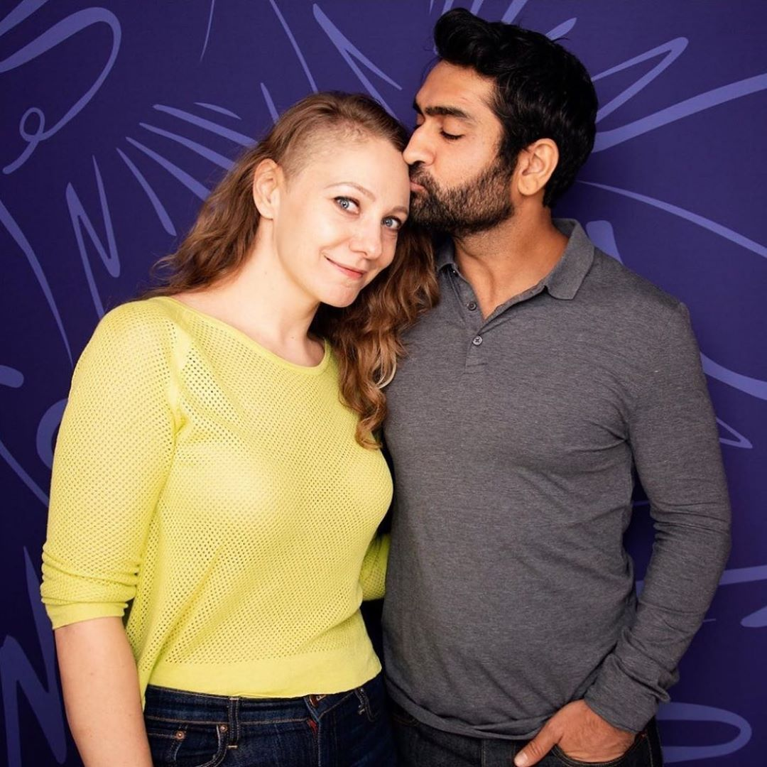 Kumail kissing his wife, Emily