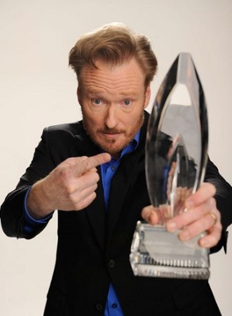 Conan showing his People's Choice Awards.