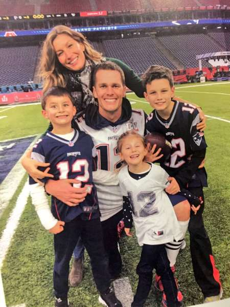 Gisele Bundchen and her husband, Tom Brady with their children