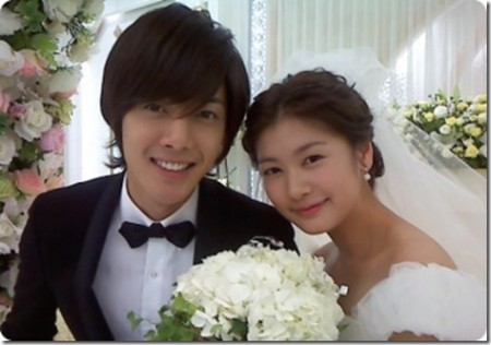 Kim Hyun-Joong with Jung So-min in the drama Playful Kiss appearing as bride and groom