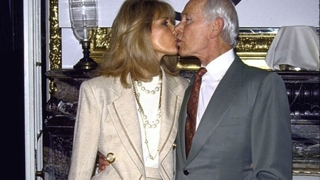 Johnny Carson kissing his wife Alexis Maas