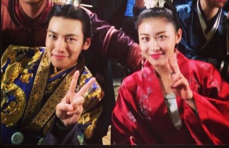 Ji Chang-wook with co-star Ha ji Won at the movie set