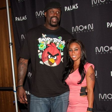 Nicole and Shaquille in an award function