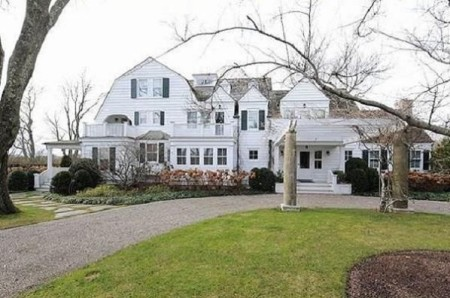 Carey Lowell and Richard Gere listed their Water Mill Country House on sale