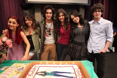 Elizabeth along with her co-stars of Victorious. Read about Elizabeth's career, profession, occcupation