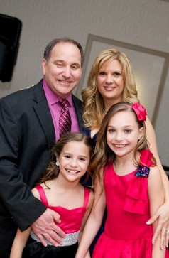 Image: Melissa Gisoni with her family. Melissa Gisoni Bio, Wiki, Personal life, Husband, Children & Net Worth