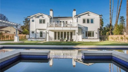 Jordan Clarkson's House in Los Angeles