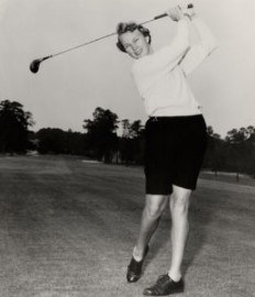 Image: Mickey Wright while playing golf in the field. Mickey Wright Bio, Wiki, Age, Height, Marriage, Husband & Net Worth
