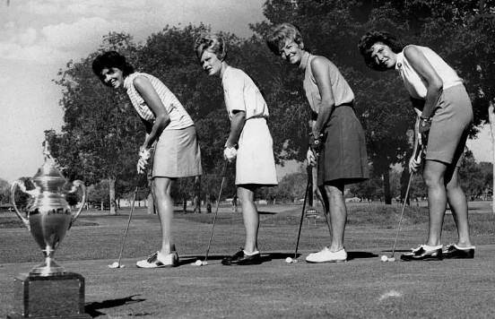 Image: Mickey Wright paying golf with her fellow friends. Mickey Wright Bio, Wiki, Age, Height, Marriage, Husband & Net Worth