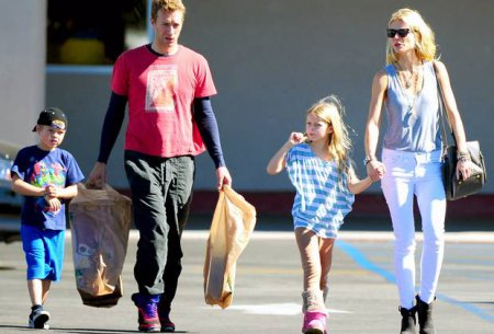 Gwyneth Paltrow with her ex-husband, Chris Martin and their children