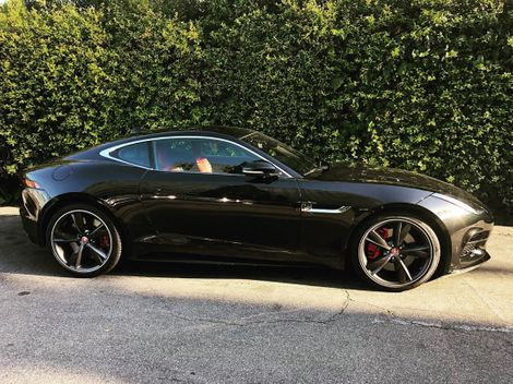 Annabelle Wallis' owns a Jaguar Car. Know more about Annabelle Wallis wealth, properties, assets, cars, automobile and many more