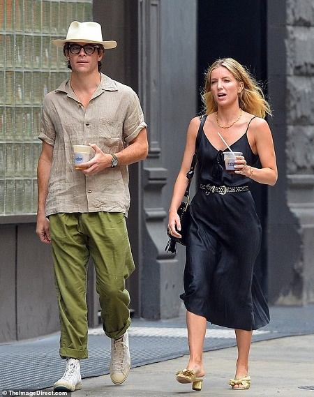 Annabelle Wallis and her boyfriend, Chris Pine. Knore more about Annabelle Wallis dating, affairs, relationship, marriage, husband and other romantic linked up details
