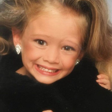 An adorable image of young Hilary Duff