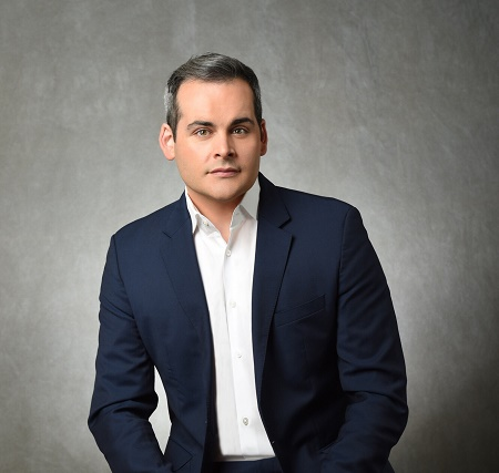 A leading journalist of CBS, David Begnaud is currently 36 years old as per his birthdate.