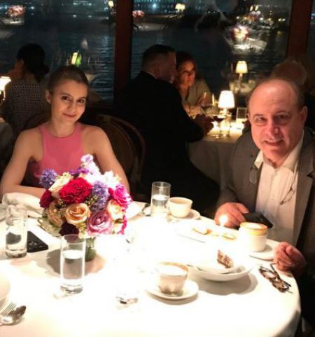 Sami Gayle with her parents