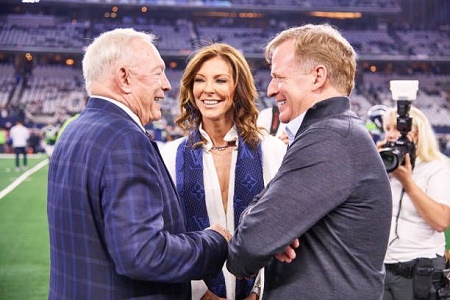 Cowboys executive vice president Charlotte Jones Anderson with father and Cowboys owner