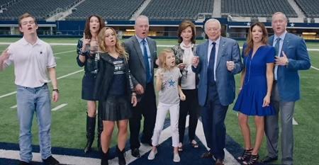 Jerry Jones Jr with his whole family including children, wife