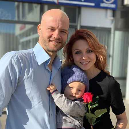 Tatjana With her current marital partner and children