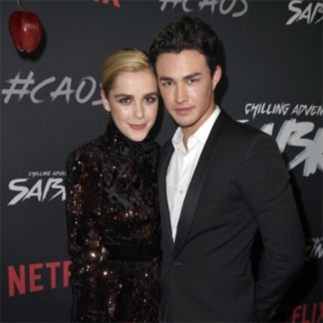 Snap: Kiernan Shipka and Gavin Leatherwood, actors of the series Chilling Adventure of Sabrina