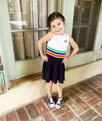 Odette Annable's daughter Charlie Mae Annable getting ready for the school