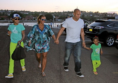 Angel with her sister, mother and step-father Stephen Belafonte