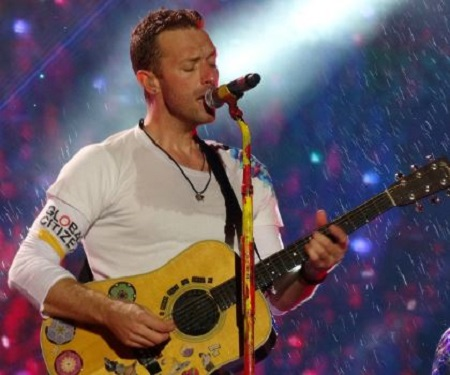 Image: Nicola wren's brother Chris Martin at concert