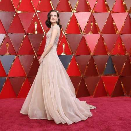 Allison Williams arrived at the red carpet of Oscars Award ceremony