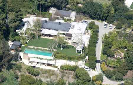 Ryan Seacrest lives in his lavish accommodation located in Beverly, California
