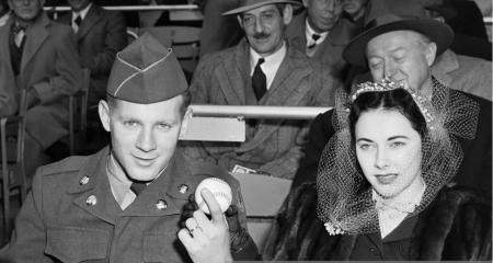 Joan Ford and Whitey Ford attended the baseball match of the New York Yankees and the Red Sox