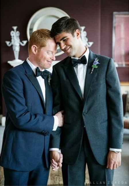 Gay couple, Jesse Tyler Ferguson and Justin Mikita during their wedding ceremony. Know more about their wedding details?