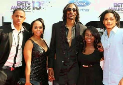 Snoop dogg wife, son and daughter. Whole family of Julian