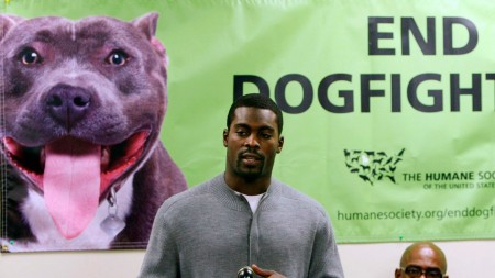 Vick making an apology to the audience after being released by from the Jail Source: Huff post
