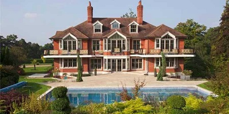 Tom Cruise's former English House which was sold for $7 million