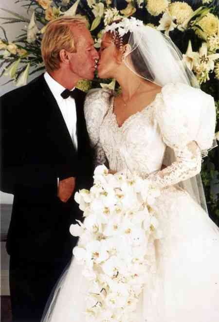 Noelene Edwards' former husband, Paul Hogan tied the knot with Linda Kozlowski