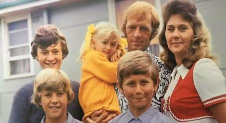 Noelene Edward and Paul Hogan welcomed five children, including four sons and one daughter