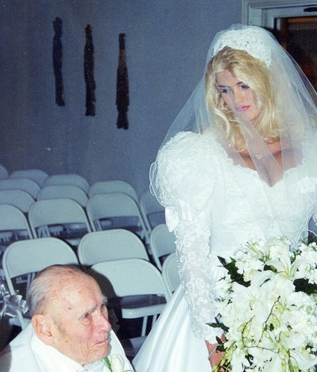 Anna Nicole Smith Was Married Businessman J. Howard Marshall From 1994 to 1995