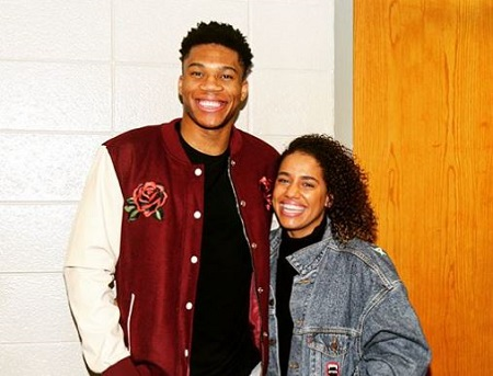 The basketball player Giannis Antetokounmpo is dating her girlfriend Mariah Riddlesprigger.