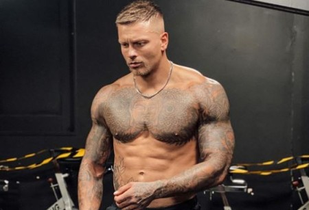 Alex Bowen's net worth is $2.5 million.