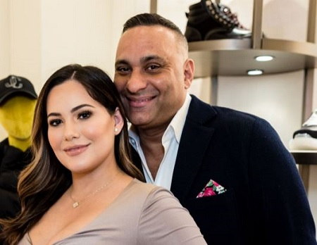 Jennifer Andrade is the former love partner of Canadian comedian, actor, Russell Peters.'