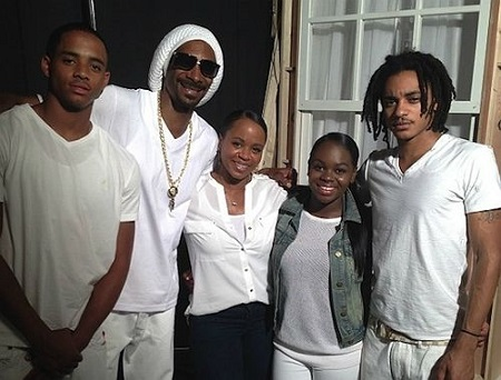 Shante Broadus With Her Family