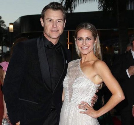 The Australian actor Rodger Corser is married to his wife Renae Berry since 2007.