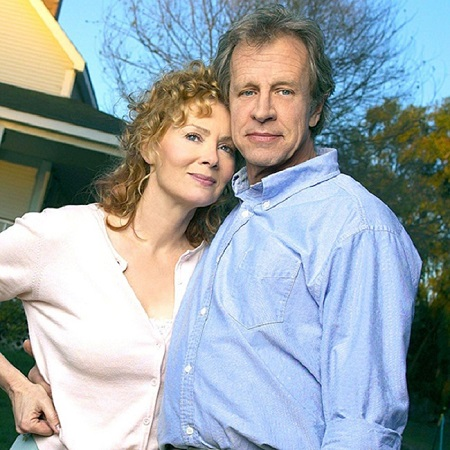 Jean Smart posing with her husband Richard