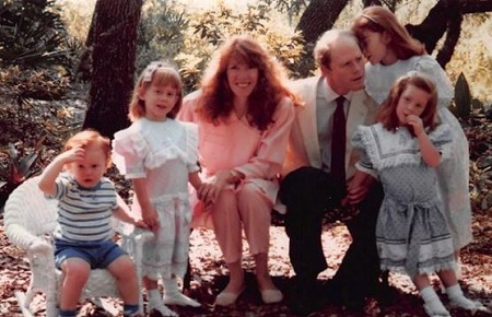 Ron Howard and Cheryl Alley along with their kids